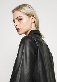 Vero Moda - VMSERENA SHIRT - Camisa - black - 4