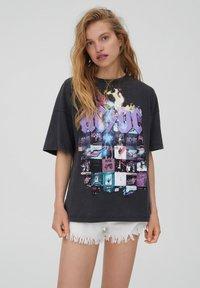 PULL&BEAR - T-shirt con stampa - black - 0