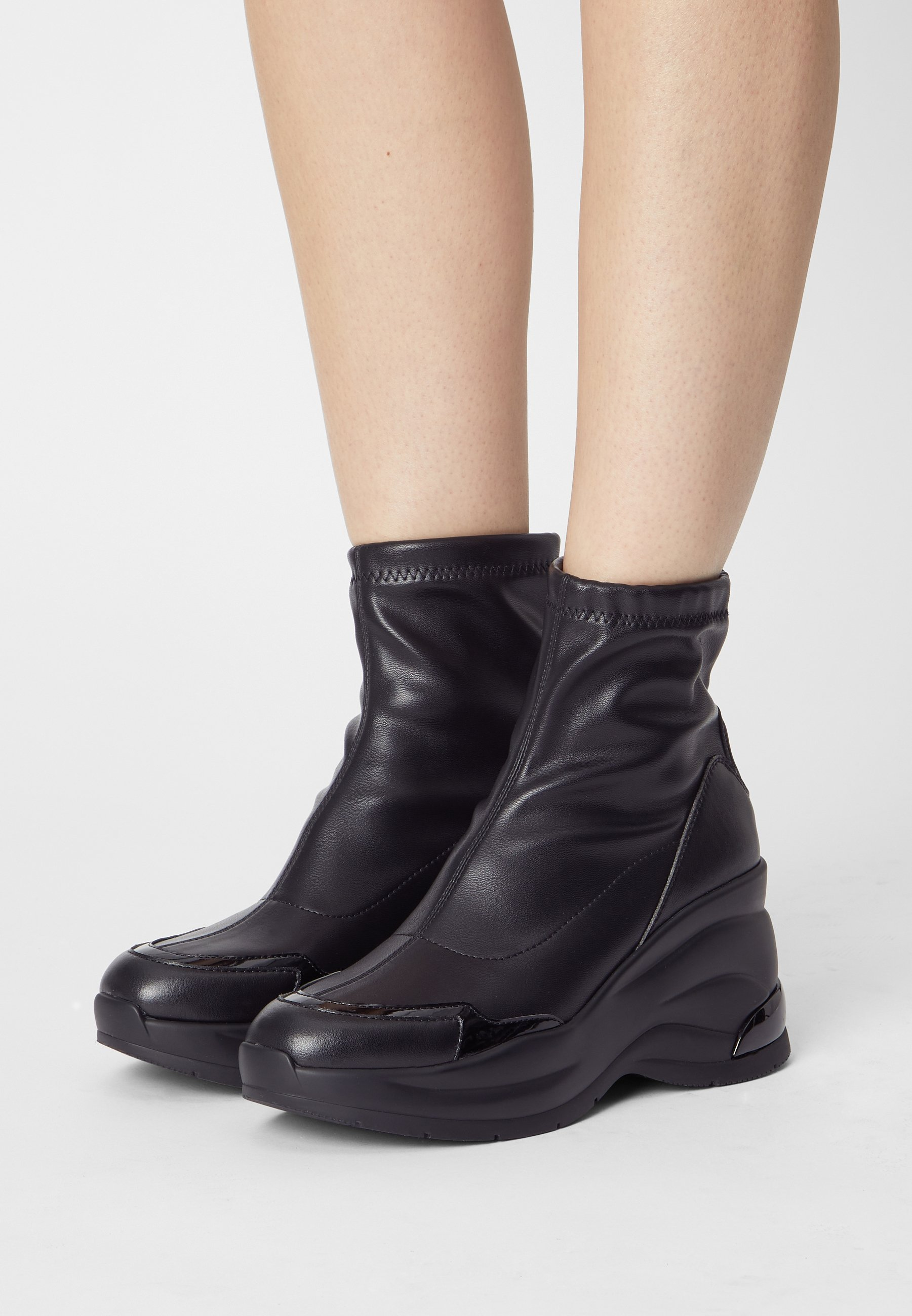 Women KARLIE REVOLUTION  - Wedge Ankle Boots