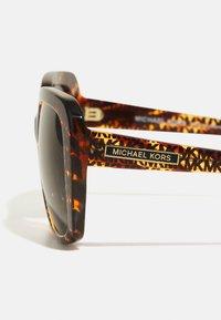 Michael Kors - Occhiali da sole - tort - 2