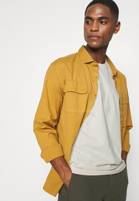 ARKET - T-shirt basic - beige dusty light - 3