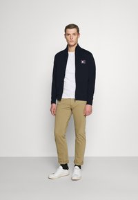 Tommy Hilfiger - ICON ESSENTIALS ZIP THROUGH - Cardigan - blue - 1