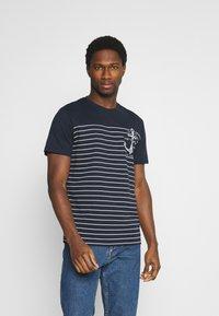 TOM TAILOR - PRINTED HARBOUR STRIPE - Print T-shirt - dark blue - 0