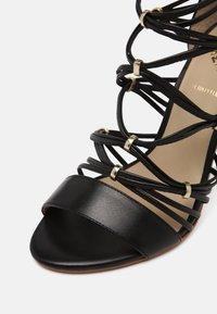 San Marina - NITIPA - Sandals - noir - 7