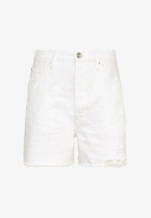 DESTROY-EFFEKTEN - Denim shorts - weiß