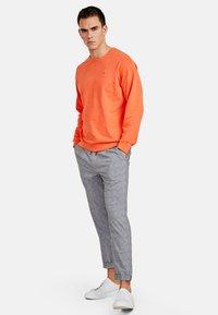 NEW IN TOWN - LONGSLEEVE - Sweater - orange - 1
