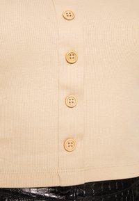 Even&Odd - BUTTON THROUGH SLIM FIT 2 PACK - T-shirt imprimé -  black/tan - 5