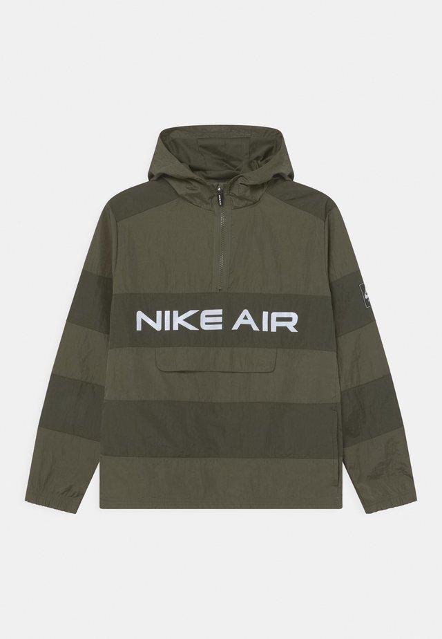 AIR UNLINED ANORAK - Light jacket - medium olive/cargo khaki