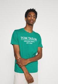 TOM TAILOR - Print T-shirt - new porcelain green - 0