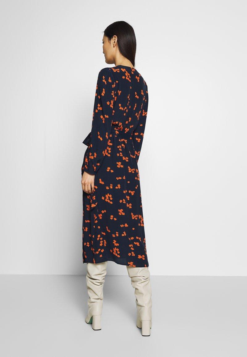 Freequent - TADNEY - Denní šaty - navy blazer mix