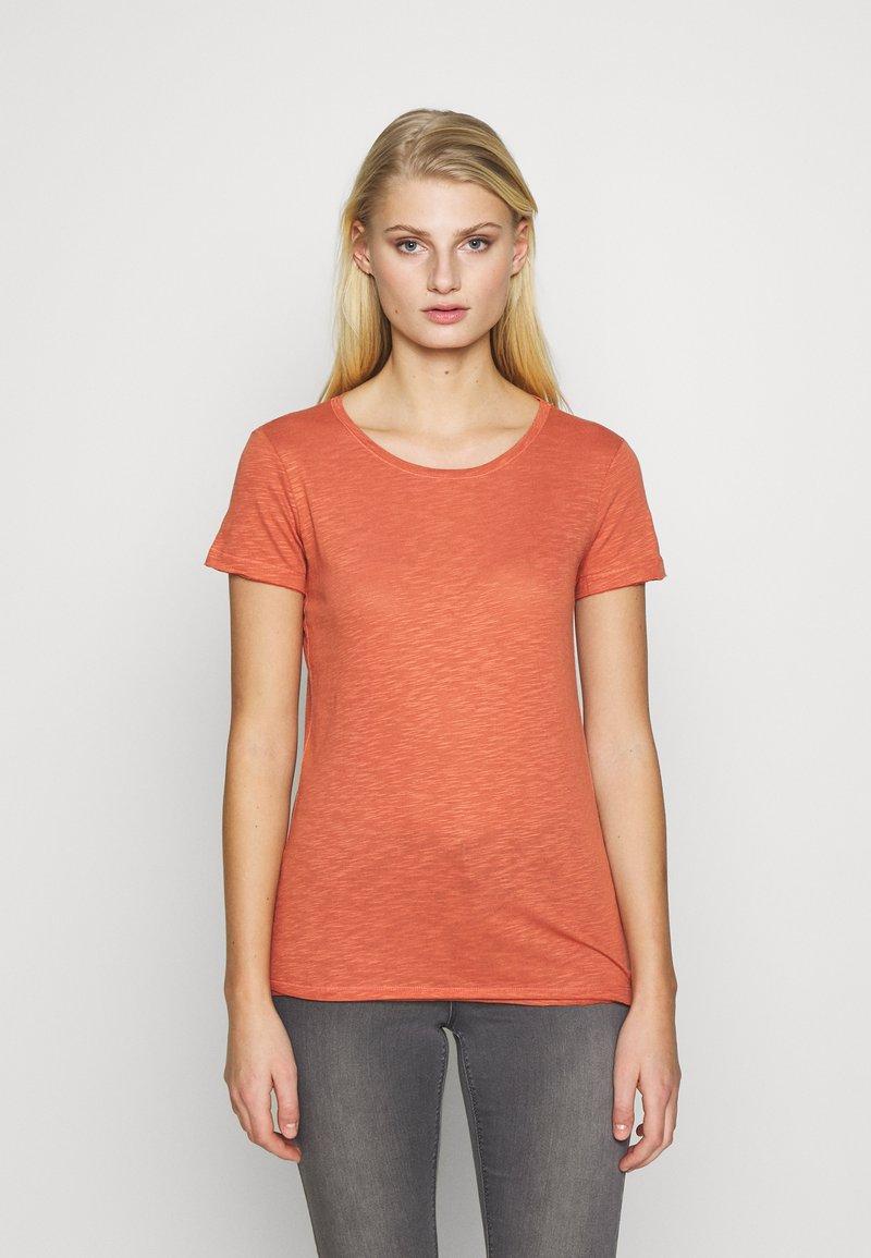 Sisley - ROUND NECK - Basic T-shirt - coral