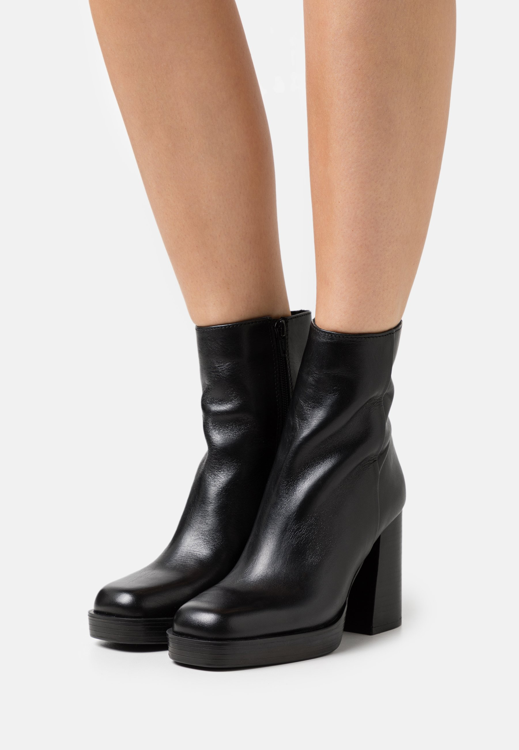 Women High heeled ankle boots - black
