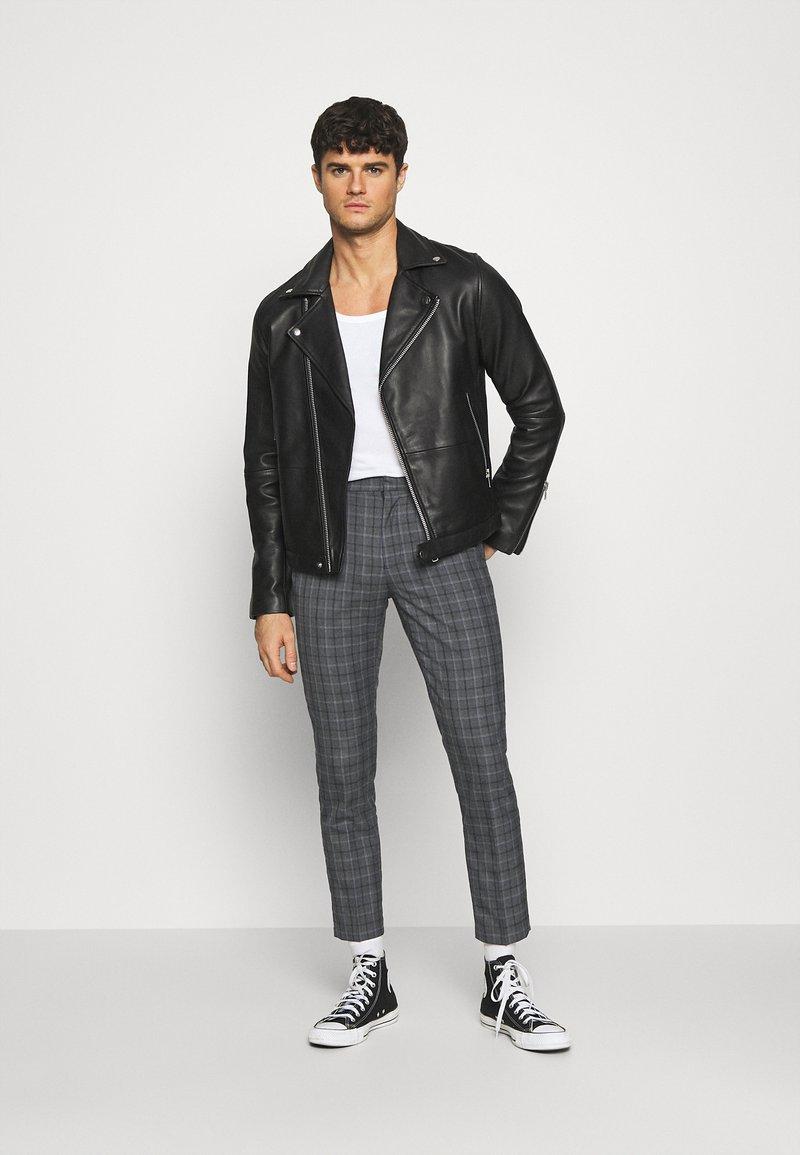 Burton Menswear London - CHECK 2 PACK - Kangashousut - navy