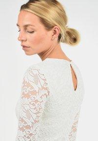 Vero Moda - EWELINA - Shift dress - white - 3