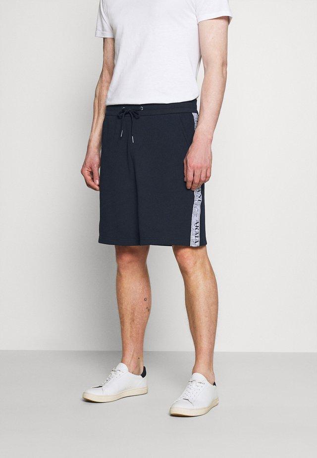BERMUDA - Shorts - navy/white