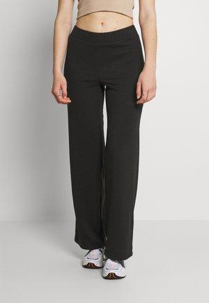 VMALFIE - Pantalones - black