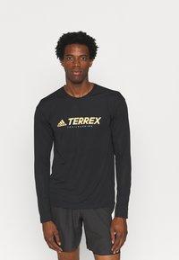 adidas Performance - Terrex TRAIL LONGSL FOUNDATION PRIMEBLUE RUNNING LONG SLEEVE T-SHIRT - Long sleeved top - black - 0