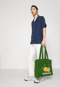 Fiorucci - LA PESCA TOWELLING TOTE BAG UNISEX - Shopper - green - 0