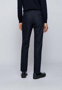 BOSS - Pantaloni eleganti - dark blue - 2