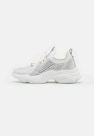 MACKIE - Sneakers laag - white