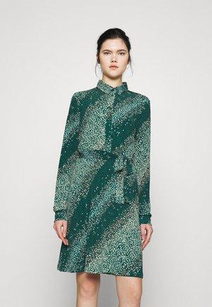 VMBIBI DRESS  - Košilové šaty - ponderosa pine