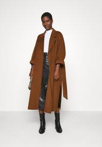 IVY & OAK - BELTED COAT - Classic coat - gingerbread - 1