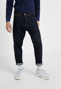 Versace Jeans Couture - PANTALONE - Jeans relaxed fit - indigo - 0