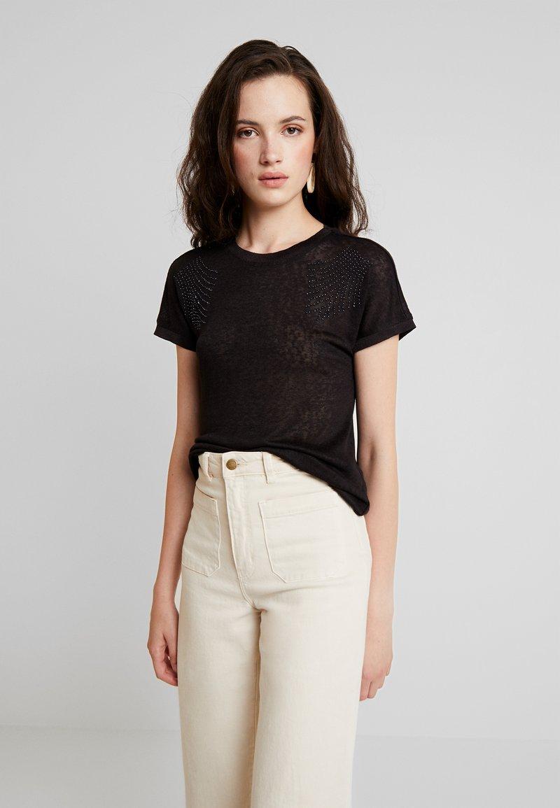 ONLY - ONLRILEY PEARL BOX - Print T-shirt - black