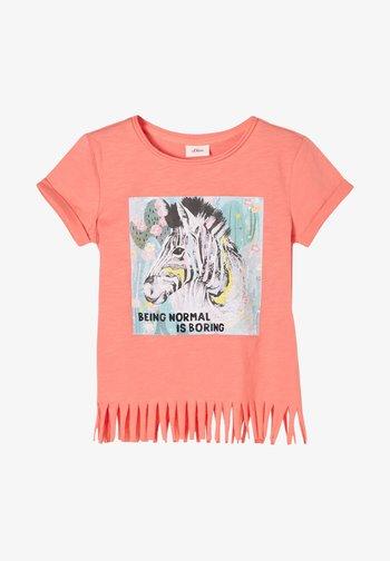 MIT FRANSEN - T-Shirt print - coral
