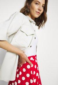 Even&Odd - A-linjekjol - goji berry/white - 3