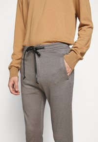 DRYKORN - JEGER - Trousers - brown - 4