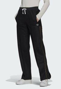 adidas Originals - WIDE-LEG JOGGERS - Joggebukse - black - 0