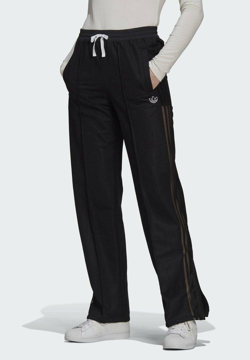 adidas Originals - WIDE-LEG JOGGERS - Joggebukse - black