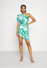 Never Fully Dressed - MULTI USE BANANA LEAF JASPRE - Pencil skirt - green - 3