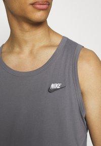 Nike Sportswear - CLUB TANK - Top - dark grey/white/black - 5