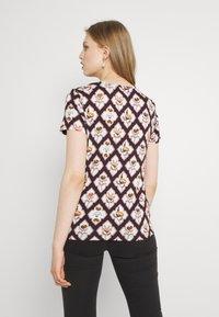 Scotch & Soda - ALLOVER PRINTED TEE - Print T-shirt - brown/white - 2