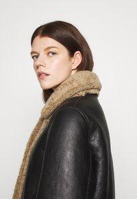 STUDIO ID - OLIVIA CONTRAST FRONT JACKET - Winter jacket - black/cream - 5