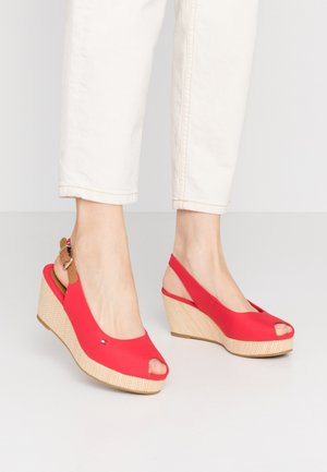 ELBA - Sandalen met sleehak - primary red