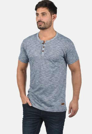 RUNDHALSSHIRT SIGOS - Basic T-shirt - insignia b