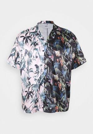 JUNGLE HALF - Shirt - pink