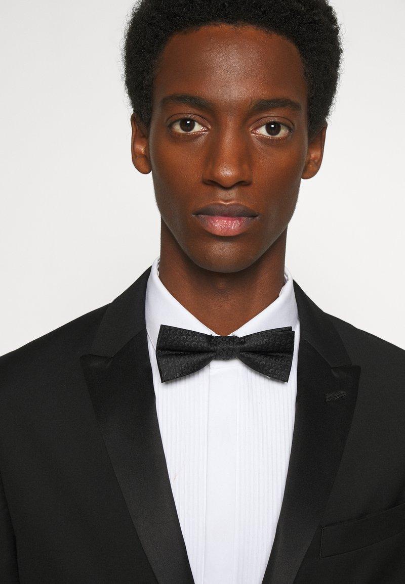 Calvin Klein - DOT BOWTIE - Motýlek - black