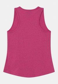 Nike Sportswear - Top - fireberry - 1