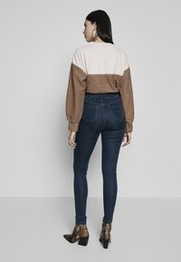 Missguided Tall - VICE HIGHWAISTED - Vaqueros pitillo - vintage blue - 2