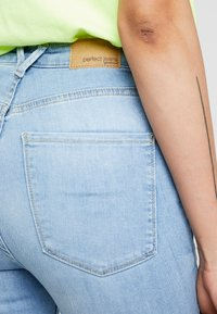 Gina Tricot - Jeans Skinny Fit - light blue - 6