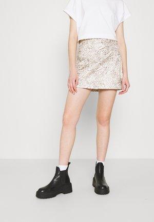PRINTED FAKE OUT WRAP - Mini skirt - beige