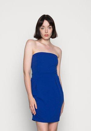 PIPPA BACK STRING DRESS - Žerzejové šaty - electric blue