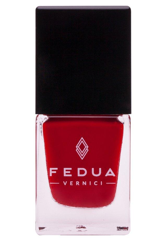 NAIL POLISH BOX - Nail polish - 0018 wine red
