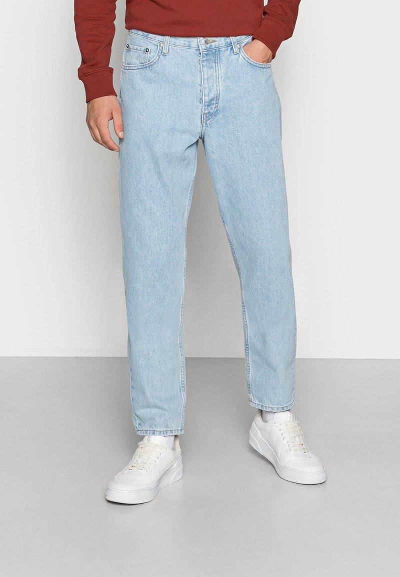 Weekday - BARREL CROPPED TROUSER - Jeans straight leg - splendid blue