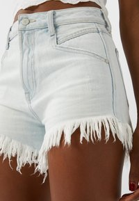 Stradivarius - Denim shorts - blue
