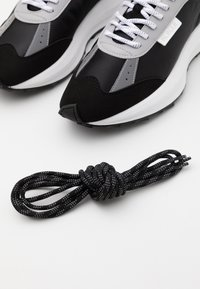 Mercer Amsterdam - RACER - Trainers - black - 5